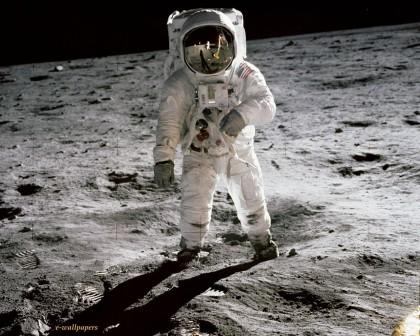 man-op-de-maan